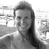 janes-Ellis-wine-ambassador-e1554905951367-blackwhite